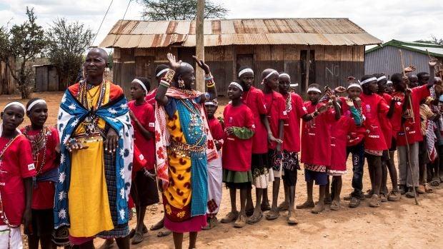 El rito alternativo que salva de la ablación a miles de niñas masái en Kenia