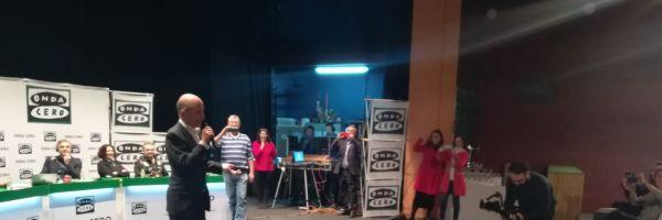 Momento histórico: Carlos Rodríguez Braun canta un villancico de Navidad
