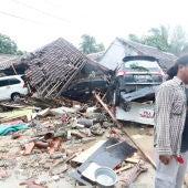 Un tsunami arrasa Indonesia