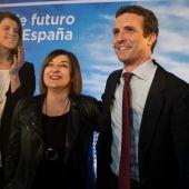 Pablo Casado junto a María José Sáenz de Buruaga