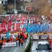 Trabajadores de Alcoa se manifiestan por las calles de La Coruña contra el ERE