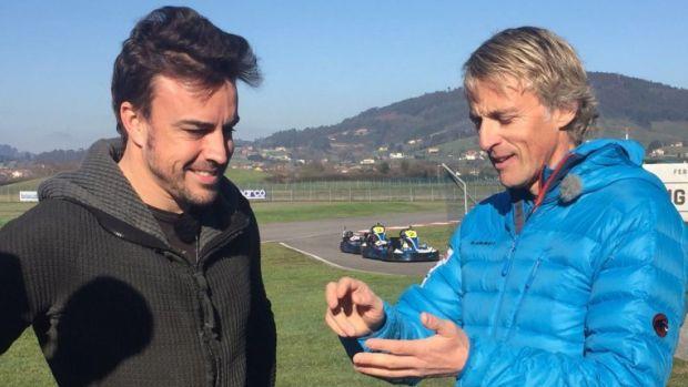 """Jesús Calleja prepara el Dakar en Abu Dhabi: """"Alonso es una persona muy divertida"""""""