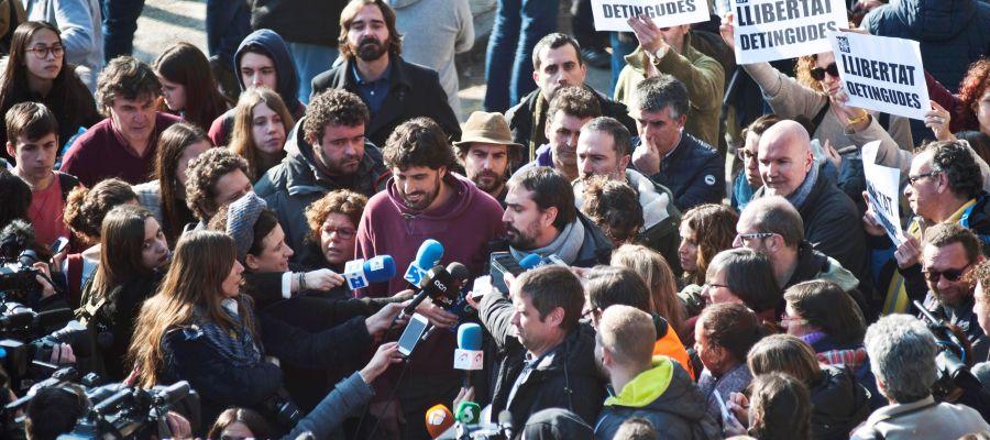 Los 16 detenidos por cortar el AVE en el aniversario del 1-O, en libertad