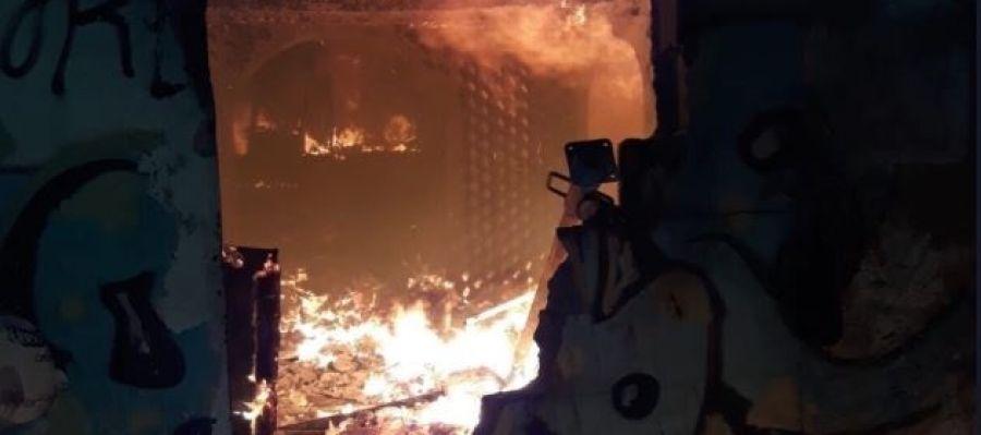 El incendio que se ha originado en una casa abandonada de Can Pastilla