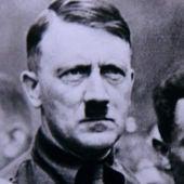 Persiguiendo a Hitler - Capítulo 1: La caza comienza