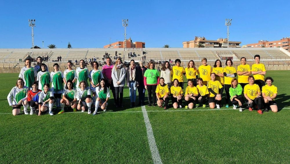 El partido femenino cumplió su tercera edición con la participación de numerosas periodistas y representantes destacadas de la sociedad ilicitana.