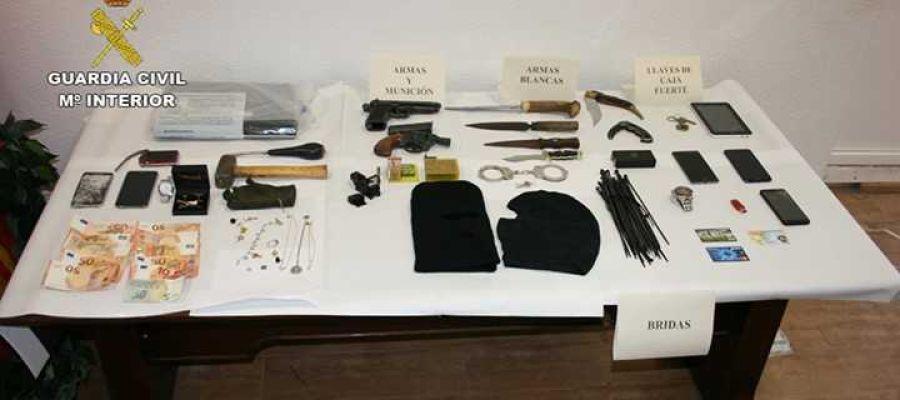Efectos intervenidos por la Guardia Civil de Alicante