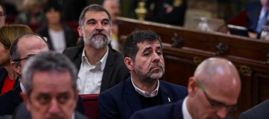 Jordi Sánchez luce el lazo amarillo en el juicio del procés