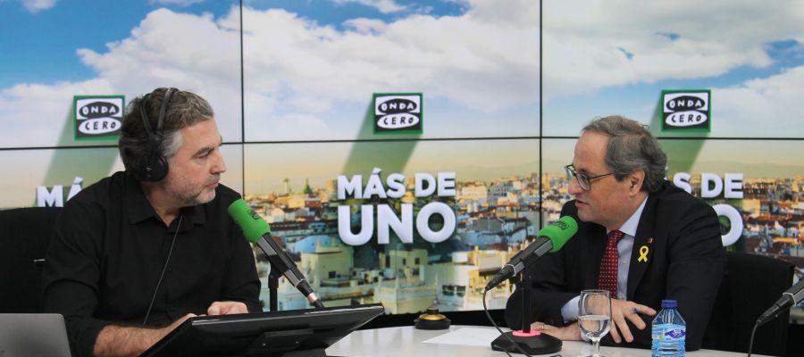Carlos Alsina durante la entrevista a Quim Torra