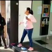 Una mujer le planta cara a los CDR