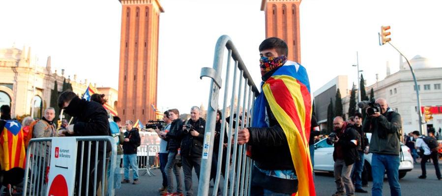 Los CDR cortan el tráfico en protesta por la presencia del Rey en Barcelona