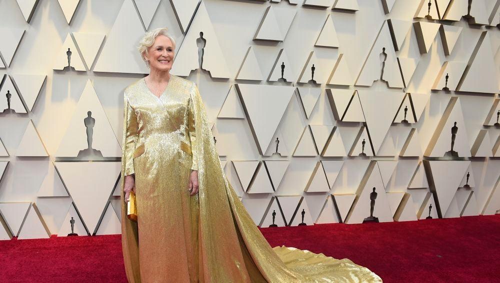 Glenn Close apuesta por el dorado de Carolina Herrera