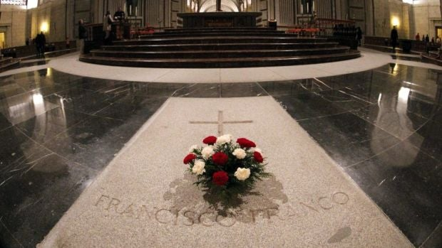 Los restos de Franco serán trasladados en helicóptero y sin honores militares