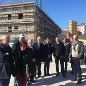 Visita de la Alcaldesa a las obras de consolidación del edificio de Tabacalera en Gijón