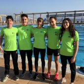 Los cinco nadadores que representaron al CN Tenis Elche en el Nacional de Mataró.