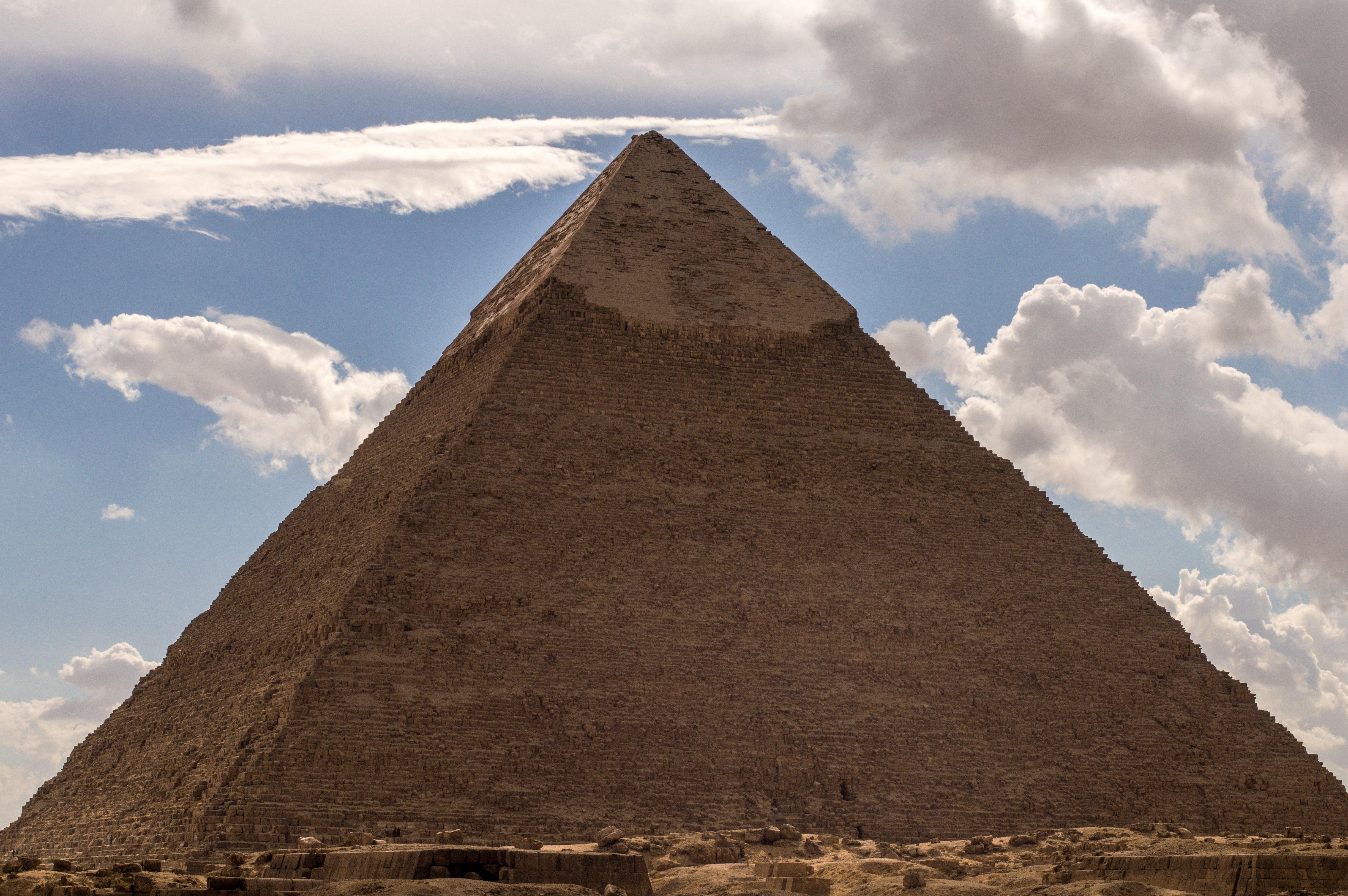 Revista Historia: ¿Cómo se construyó la Gran Pirámide?