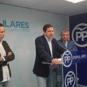 Cristina Molina, Miguel Ángel Valverde y Carlos Cotillas