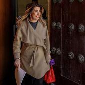 Susana Díaz abandona el salón de plenos tras la sesión de control al Ejecutivo en el Parlamento de Andalucía