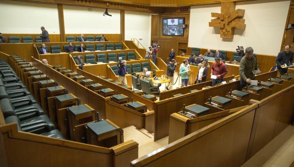 ¿Cuántos escaños necesita el PNV para tener mayoría absoluta en el País Vasco?