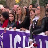 Calvo, Batet, Arrimadas, Montero, Carcedo, Calviño: entre las figuras políticas presentes en la manifestación del 8-M