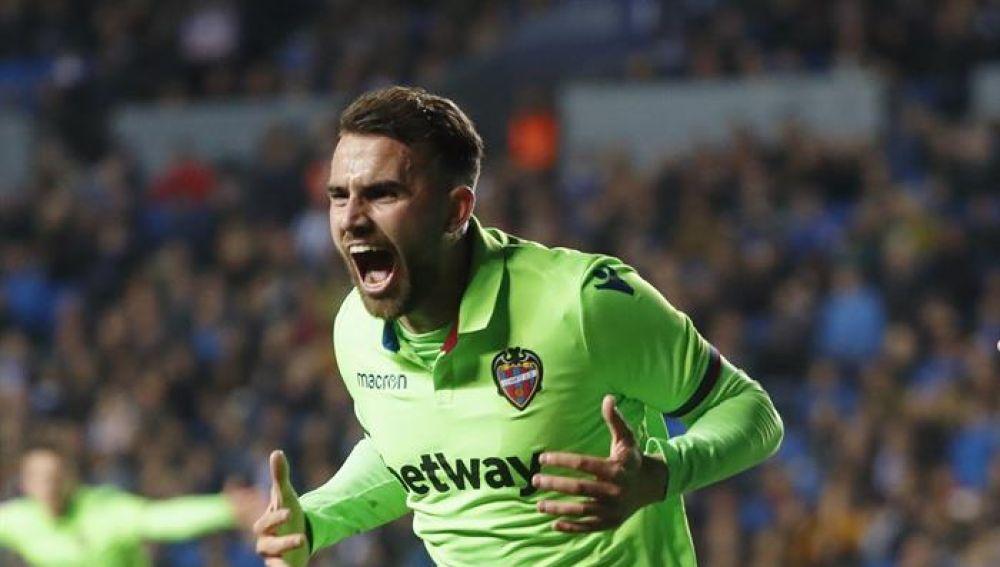 Borja Mayoral celebra su gol ante la Real Sociedad.