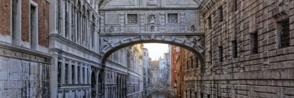 Juicio a la historia: Los puentes de los suspiros