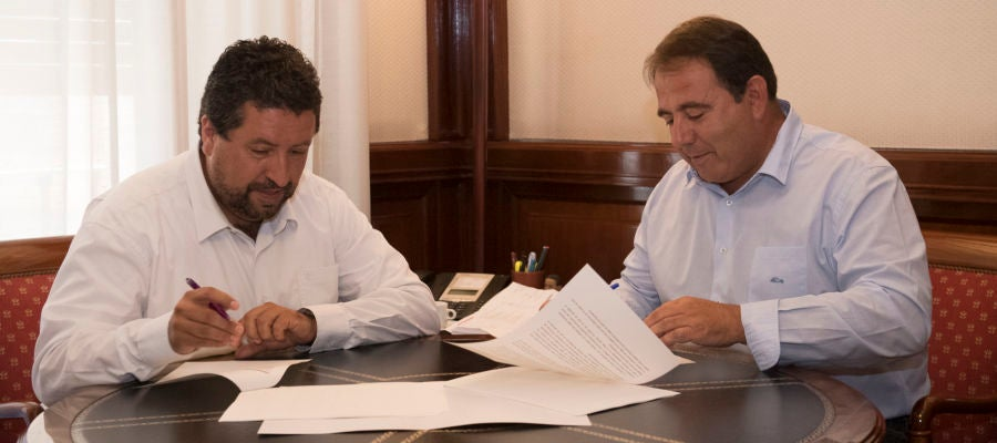La Diputación se alía con FEDETCAS para impulsar el desarrollo y la dinamización del medio rural de la provincia.