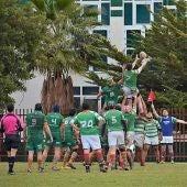 El equipo sénior masculino del Elche Club Rugby Unión en un partido.