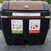 Contenedor marrón para residuos orgánicos en Bilbao