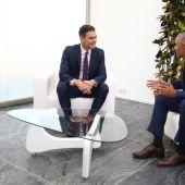 Pedro Sánchez y Barack Obama en un breve encuentro en Sevilla