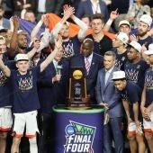 Los Virginia Cavaliers celebran el título de campeones de la NCAA