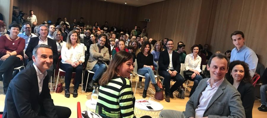 El ministro Pedro Duque en un acto con militantes socialistas en Palma.
