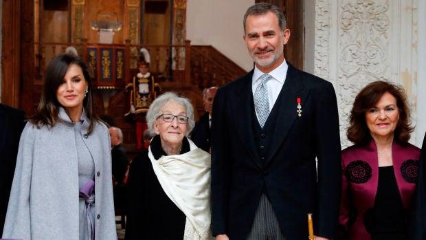Ida Vitale recibe el Premio Cervantes y reivindica la poesía del Quijote