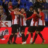 Los jugadores del Athletic celebran un gol en Butarque.