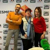 Julián Vigara, Lola de la Cruz y Mª Paz Martínez, posan delante del photocall de Atresmedia