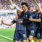 Kun Agüero celebra su gol con el City.
