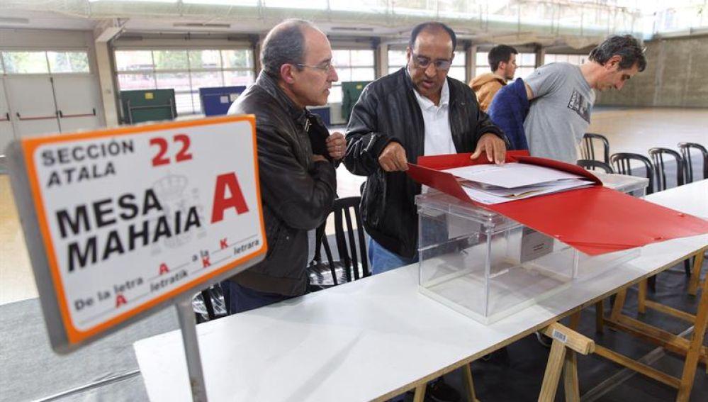 Abren los colegios electorales