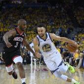 Chris Paul con Curry en el primer partido de semifinales