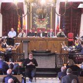 Votación en el pleno del Ayuntamiento de Elche del mes de abril.