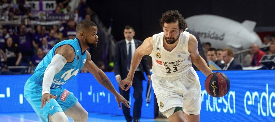 Llull entra a canasta ante Omar Cook
