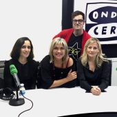 Julieta Venegas junto a Julia Otero, Miqui Otero y Nuria Torreblanca