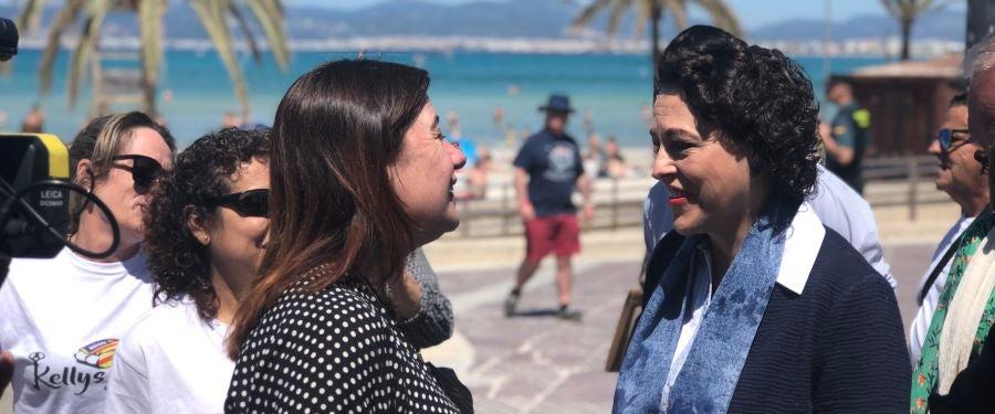 La ministra de trabajo, Magdalena Valerio y Francina Armengol