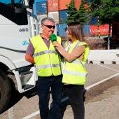 Alicia Heras con el camionero Juan
