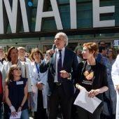 Enrique Ruiz Escudero se suma a la celebración del Día del Niño Hospitalizado