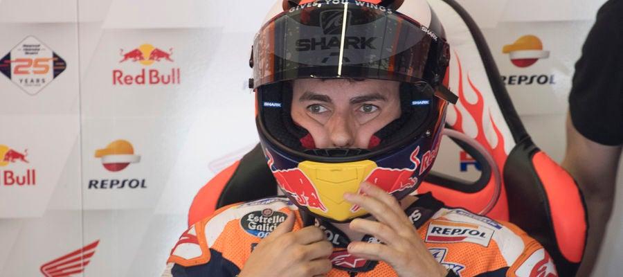 Jorge Lorenzo mira al vacío en una sesión con Honda