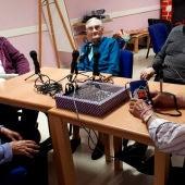 Bonifacio, Bienvenida, Carmen y Consuelo, locutores de Radio Dinosaurio