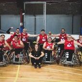Los jugadores del Club Baloncesto Silla de Ruedas de Elche, tras su victoria en Vinarós.