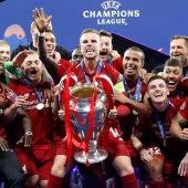 El Liverpool alza al cielo de Madrid la Champions
