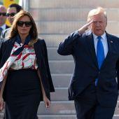 El presidente de EEUU, Donald Trump, y su esposa Melania a su llegada a Londres