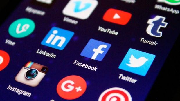 """Xurxo Torres: """"Con Internet y las redes sociales, estamos socializando la soledad"""""""